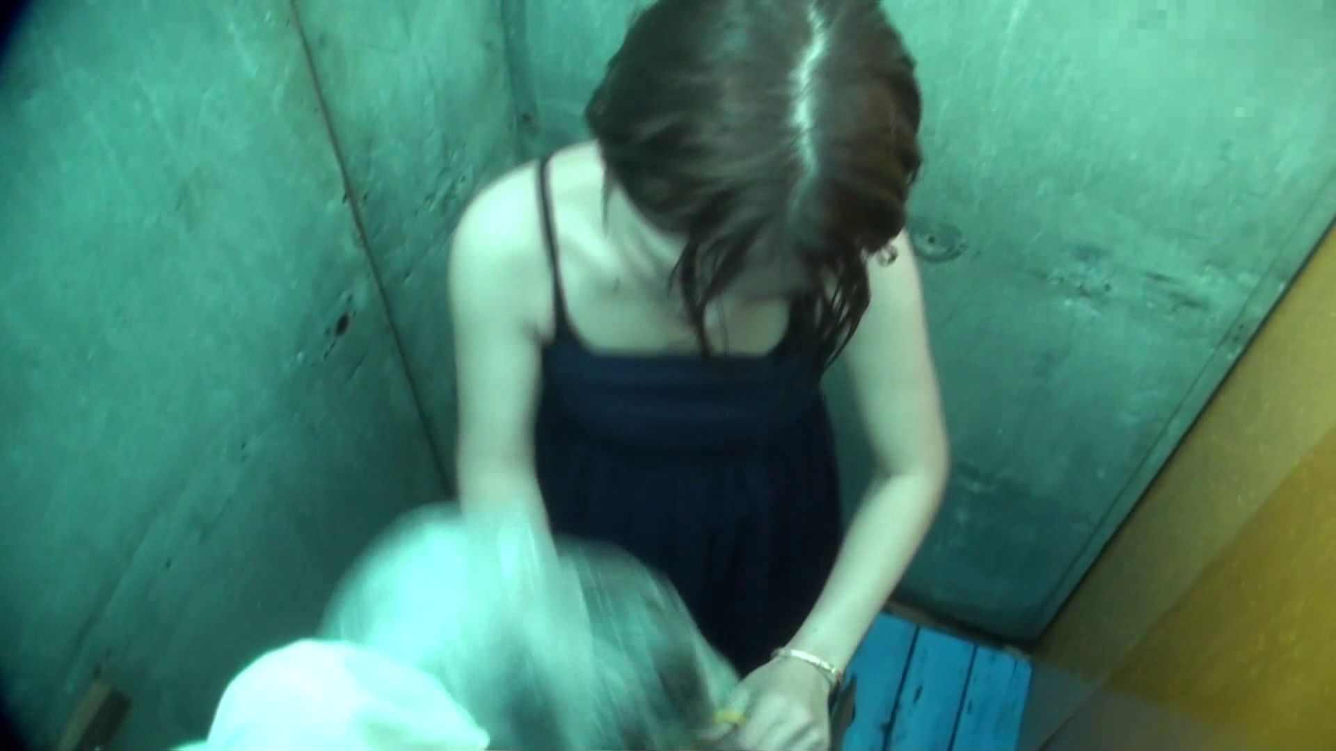 シャワールームは超!!危険な香りVol.12 女性のおまんこには予想外の砂が混入しているようです。 高画質   おまんこモロ出し  61pic 14
