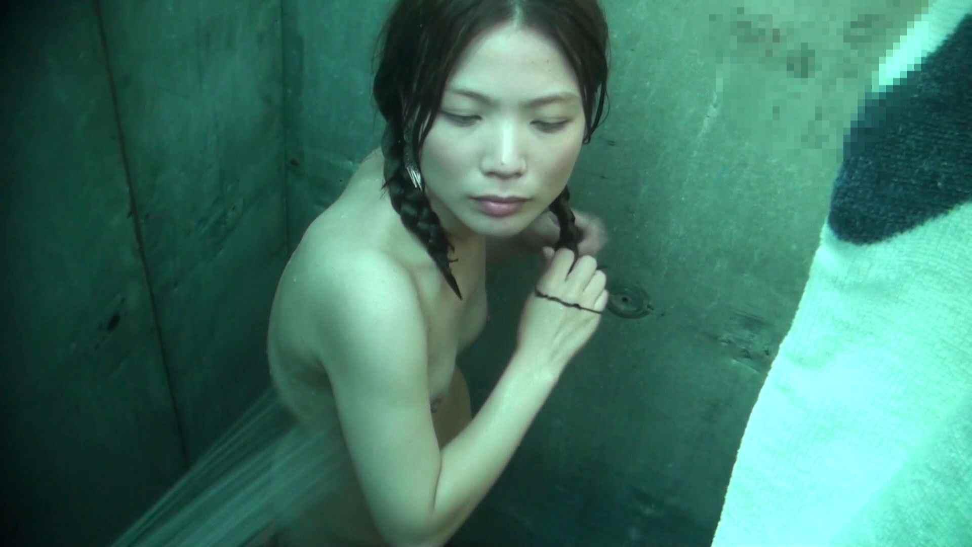 シャワールームは超!!危険な香りVol.12 女性のおまんこには予想外の砂が混入しているようです。 高画質   おまんこモロ出し  61pic 32