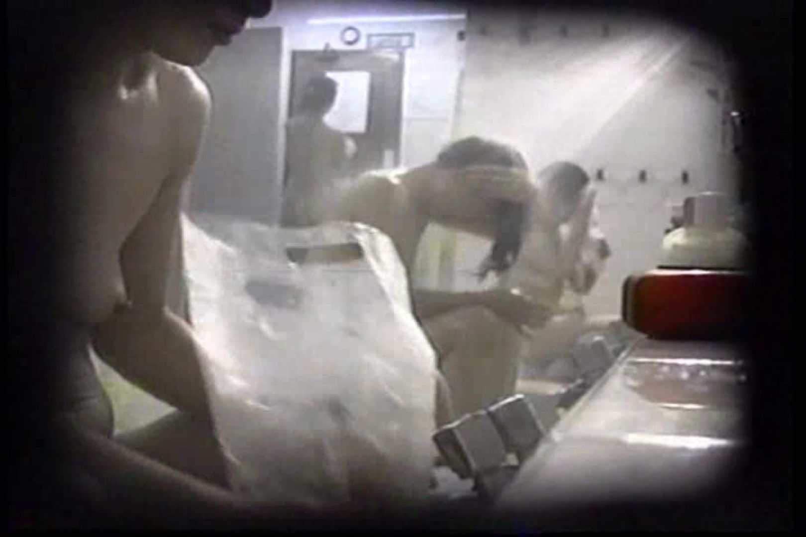 洗面器にカメラを仕込んで洗い場内を移動盗撮 TK-131 盗撮   0  58pic 34